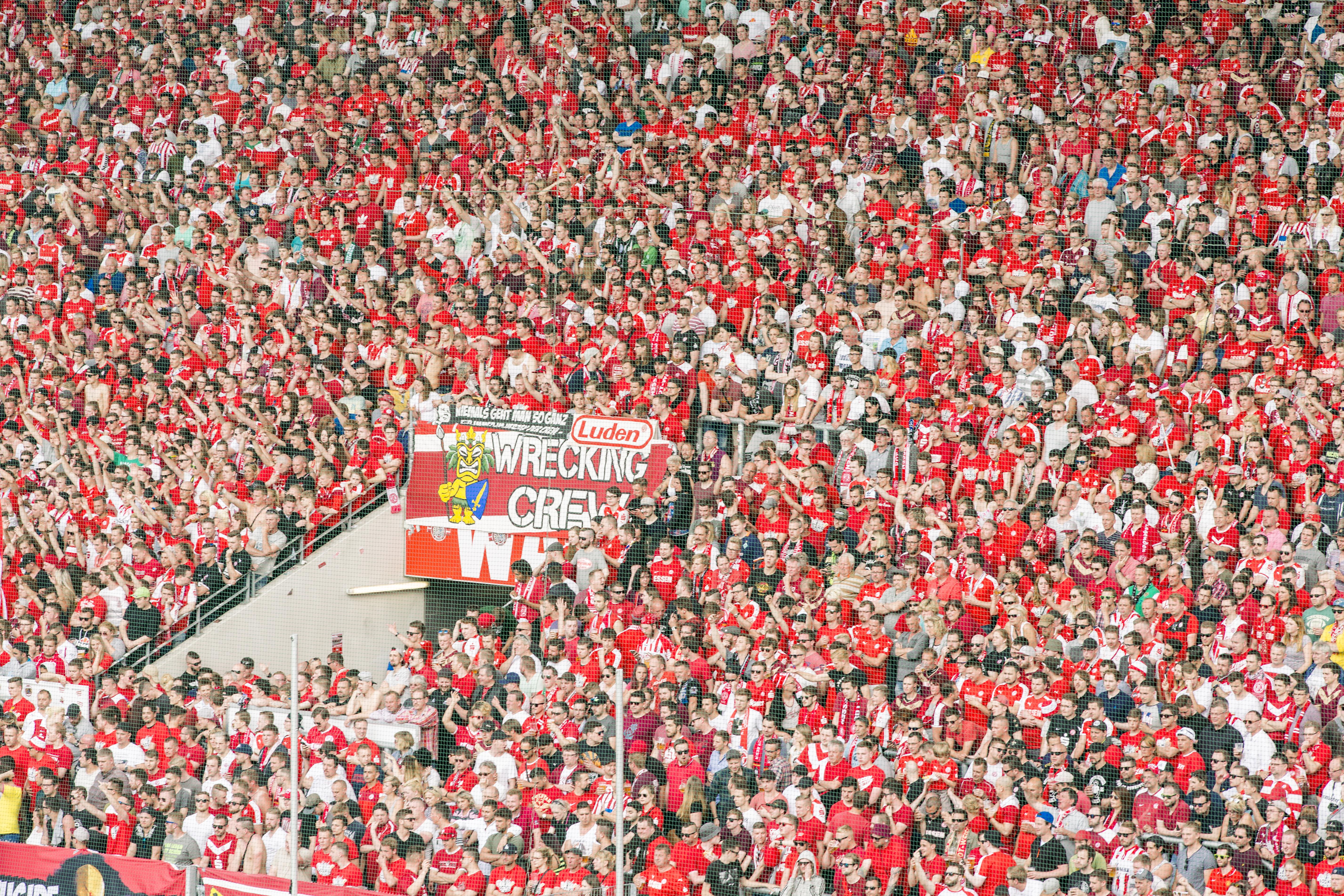 Am Samstag empfangen die Rot-Weissen den SV Lippstadt an der Hafenstraße. (Foto: Klimek)