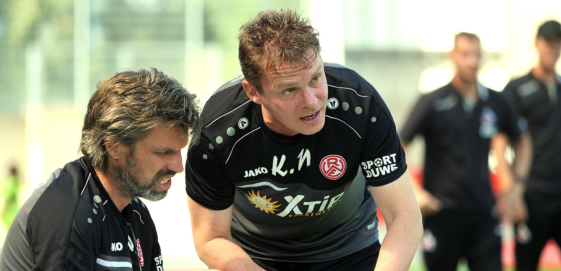 Chef-Trainer Karsten Neitzel vor der Partie gegen den Bonner SC. (Foto: Gohl)