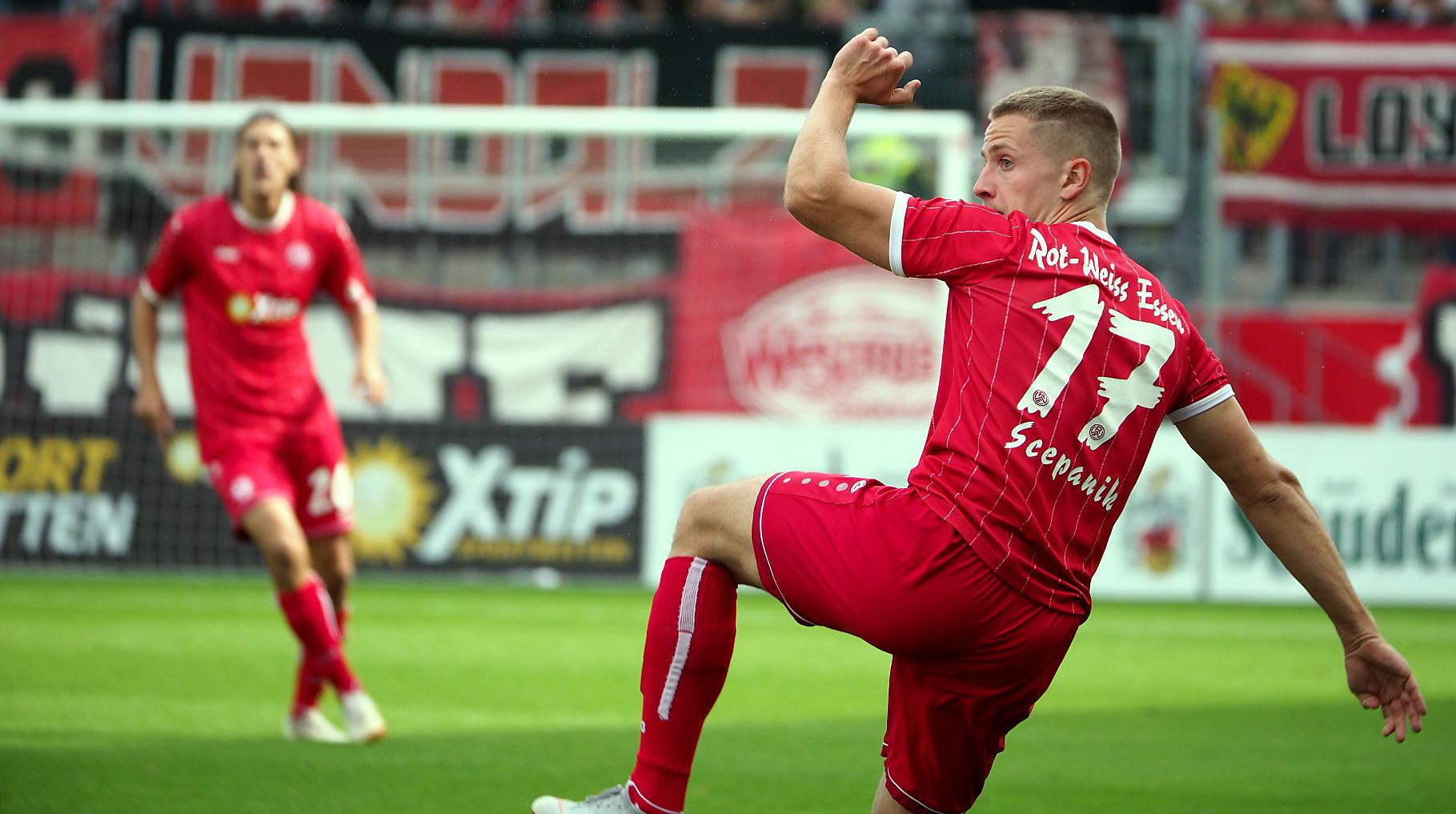 Am heutigen Freitag ist der SV Straelen im Stadion Essen zu Gast.