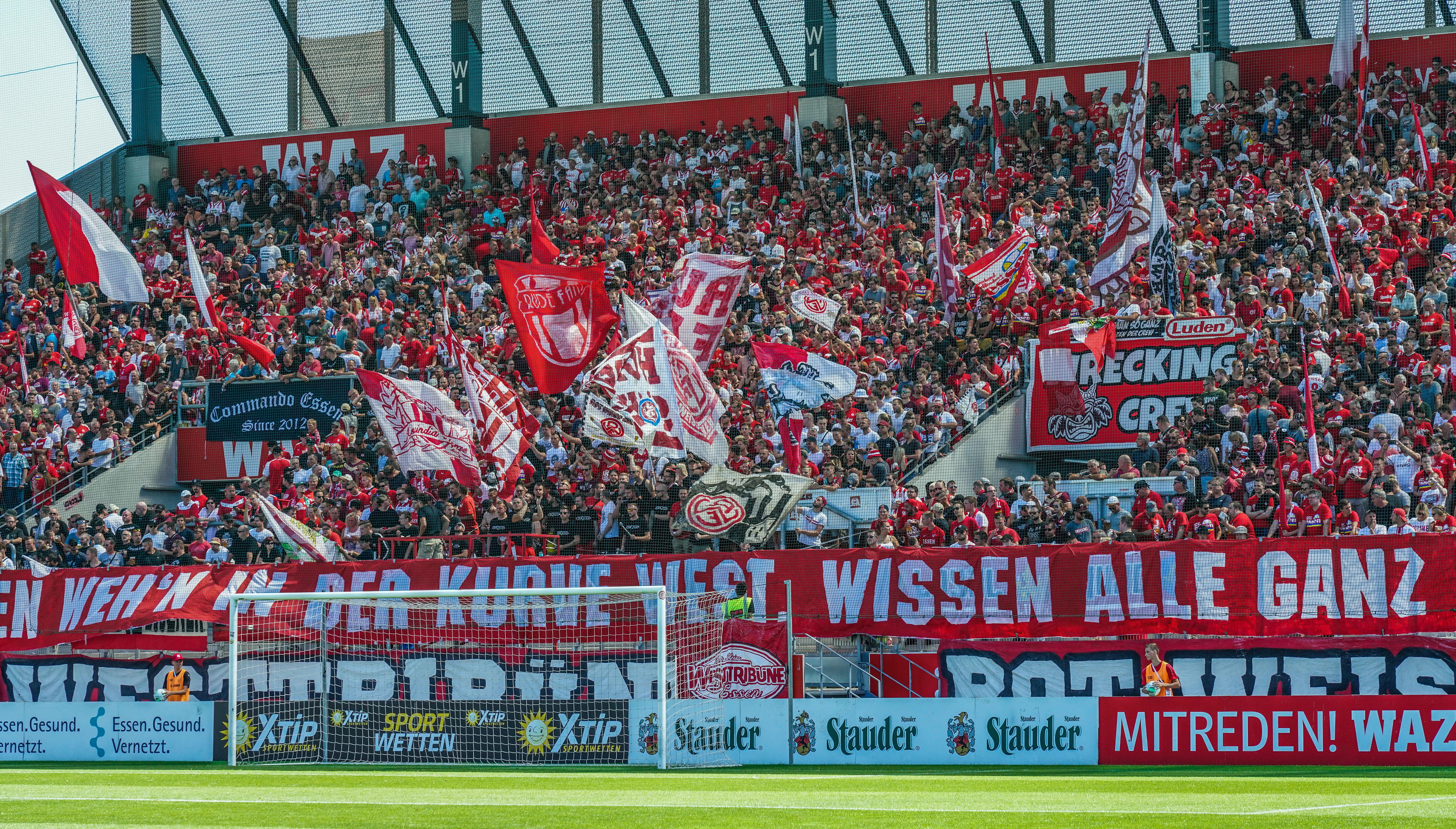 Die RWE-Fans zeichnen sich auch abseits der Spiele ihres Vereins durch ihr besonderes Engagement aus. (Foto: Gohl)
