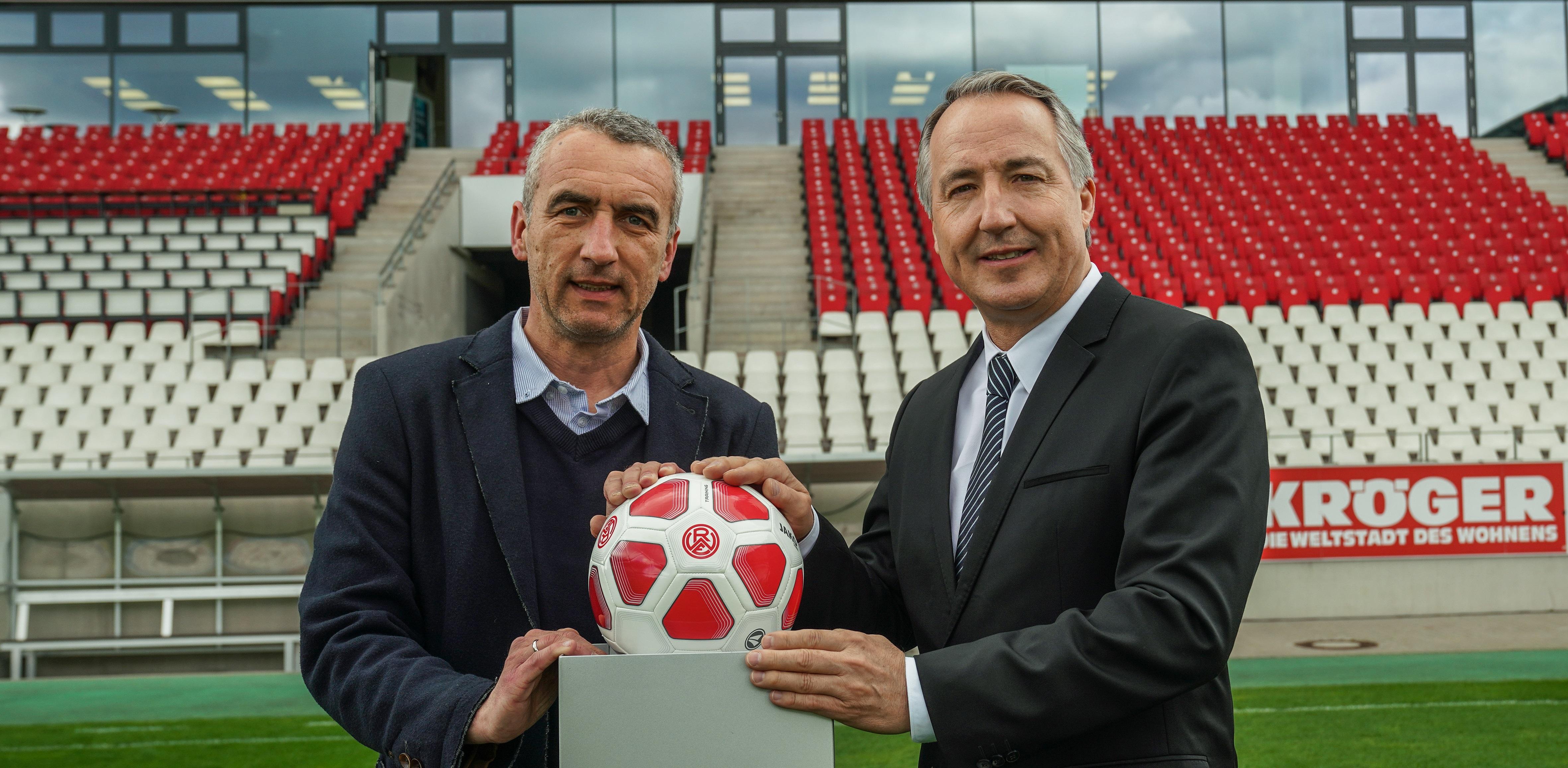 Die MESSE ESSEN hat die Premium-Partnerschaft bei Rot-Weiss Essen verlängert. (Foto: Gohl)