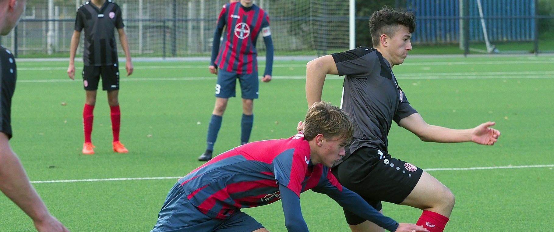 Die rot-weisse U17 trifft am Sonntag im Spitzenspiel auf den Wuppertaler SV.