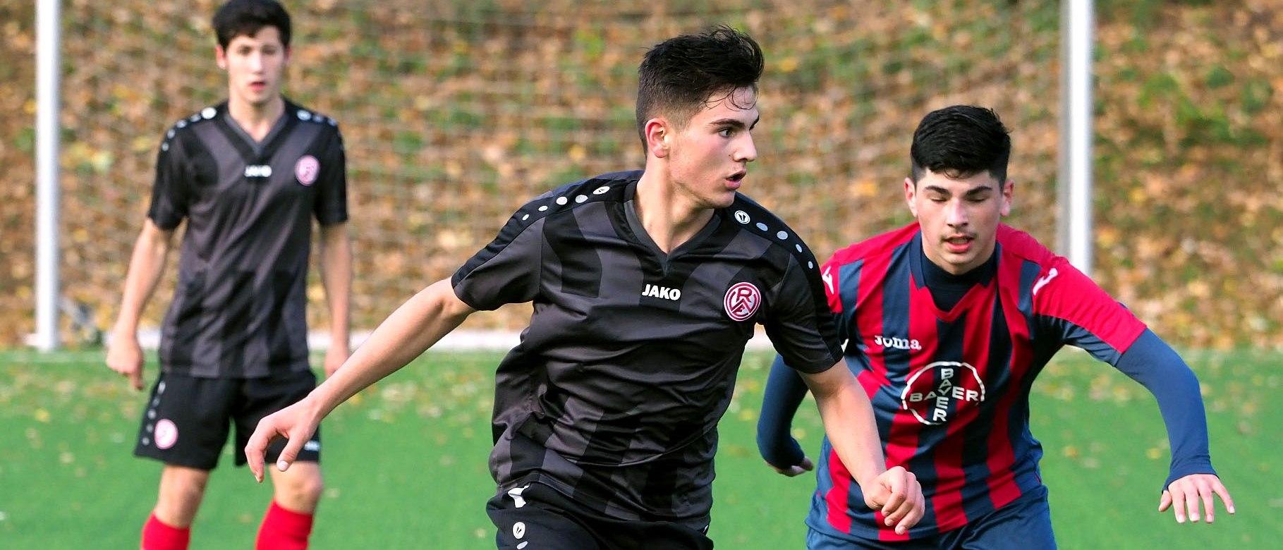Die rot-weisse U17 trennte sich am Sonntag mit einem 2:2 von der U16 von Fortuna Düsseldorf.