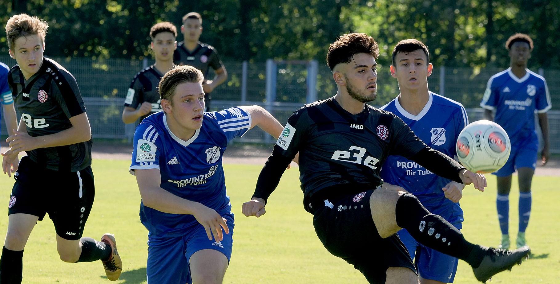 Die RWE-U17 musste sich im Duell mit Borussia Dortmund geschlagen geben. (Foto: Gohl)