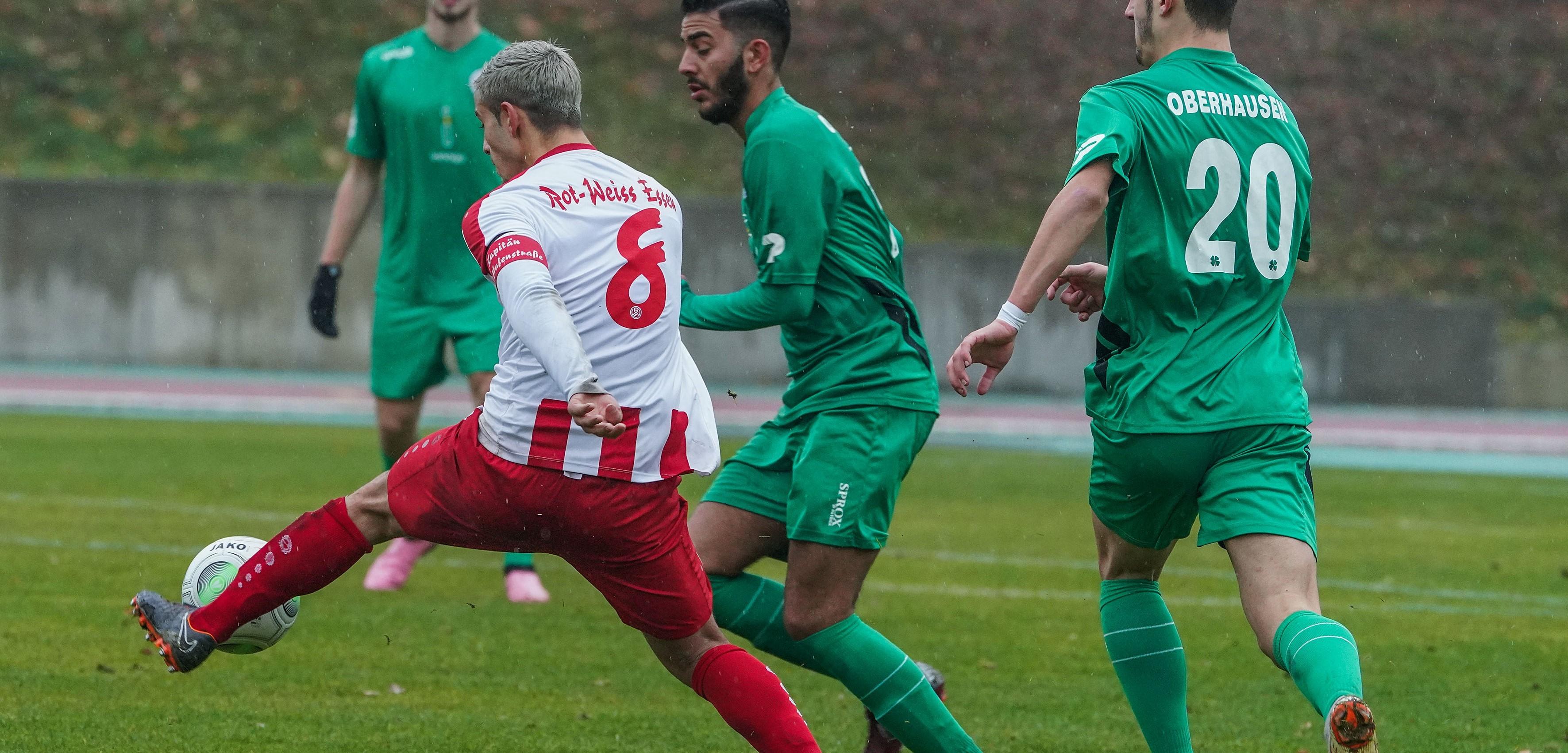 Gegen Alemannia Aachen konnten die Rot-Weissen ihren guten Lauf leider nicht fortsetzen. (Foto: Gohl)