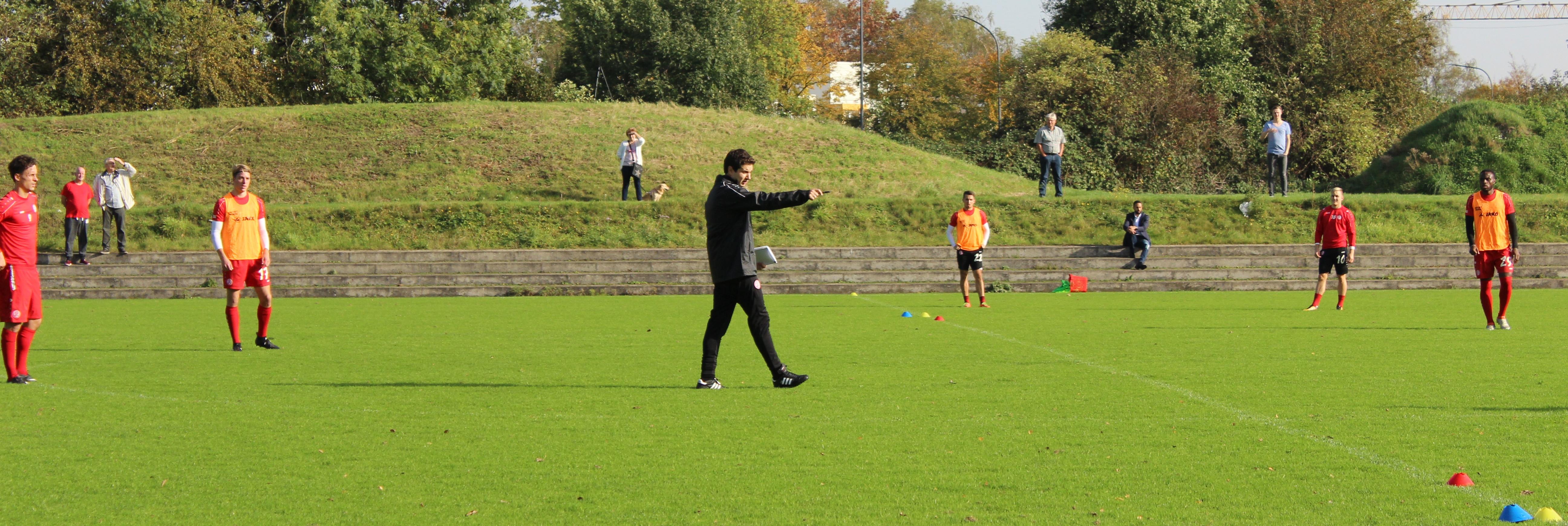 Am heutigen Montag bat Chef-Trainer Argirios Giannikis seine Mannschaft zum Trainingsauftakt an die Hafenstraße.