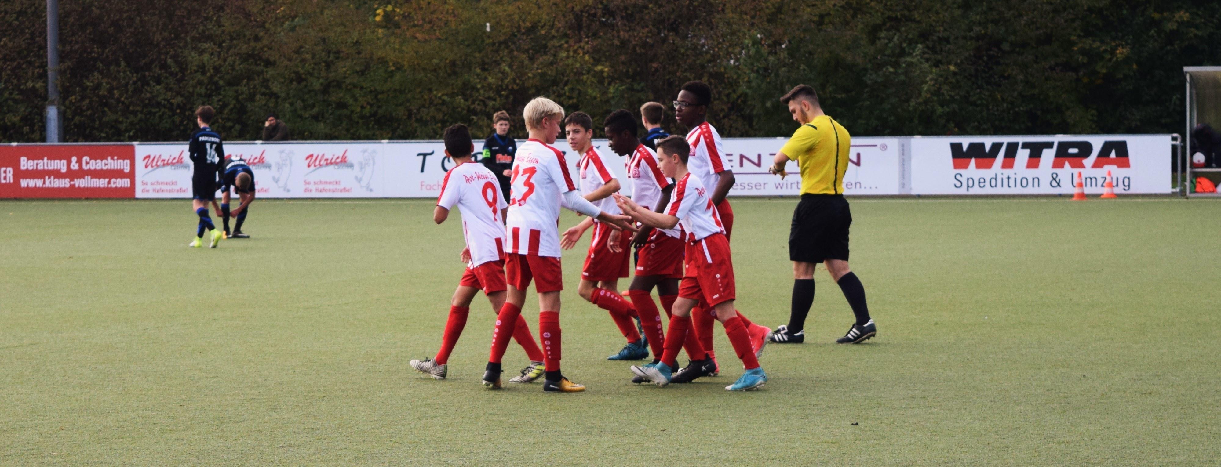 Die rot-weisse U14 sicherte sich am vergangenen Wochenende den Turniersieg beim Beauty-Hair-Store-Cup in Kleinenbroich.