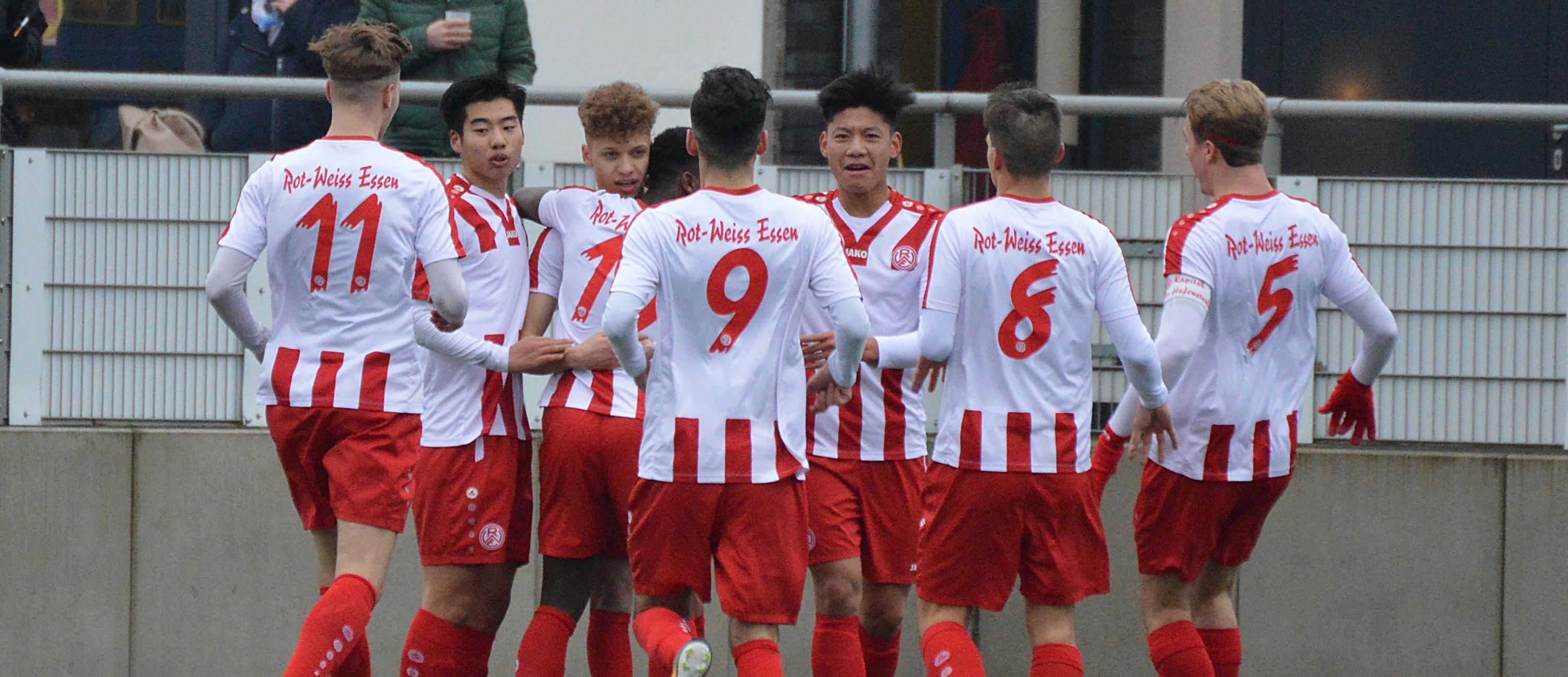 Mit einem Sieg gegen 04/19 Ratingen springt die rot-weisse U19 in der Tabelle nach ganz oben. (Foto: Skuppin)