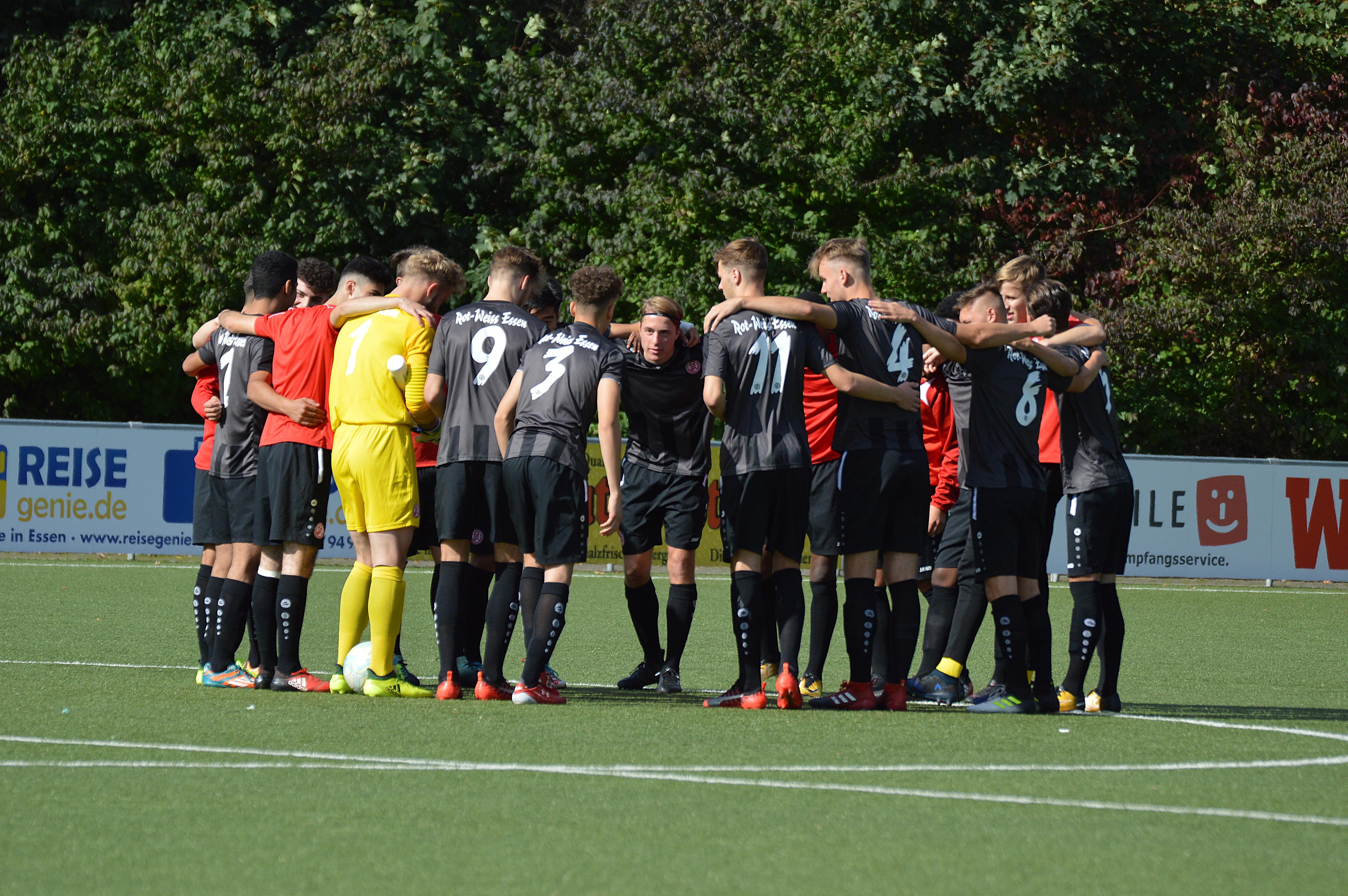 Im Spitzenspiel gegen den Wuppertaler SV will die rot-weisse U19 drei Punkte mit nach Hause nehmen. (Foto: Skuppin)