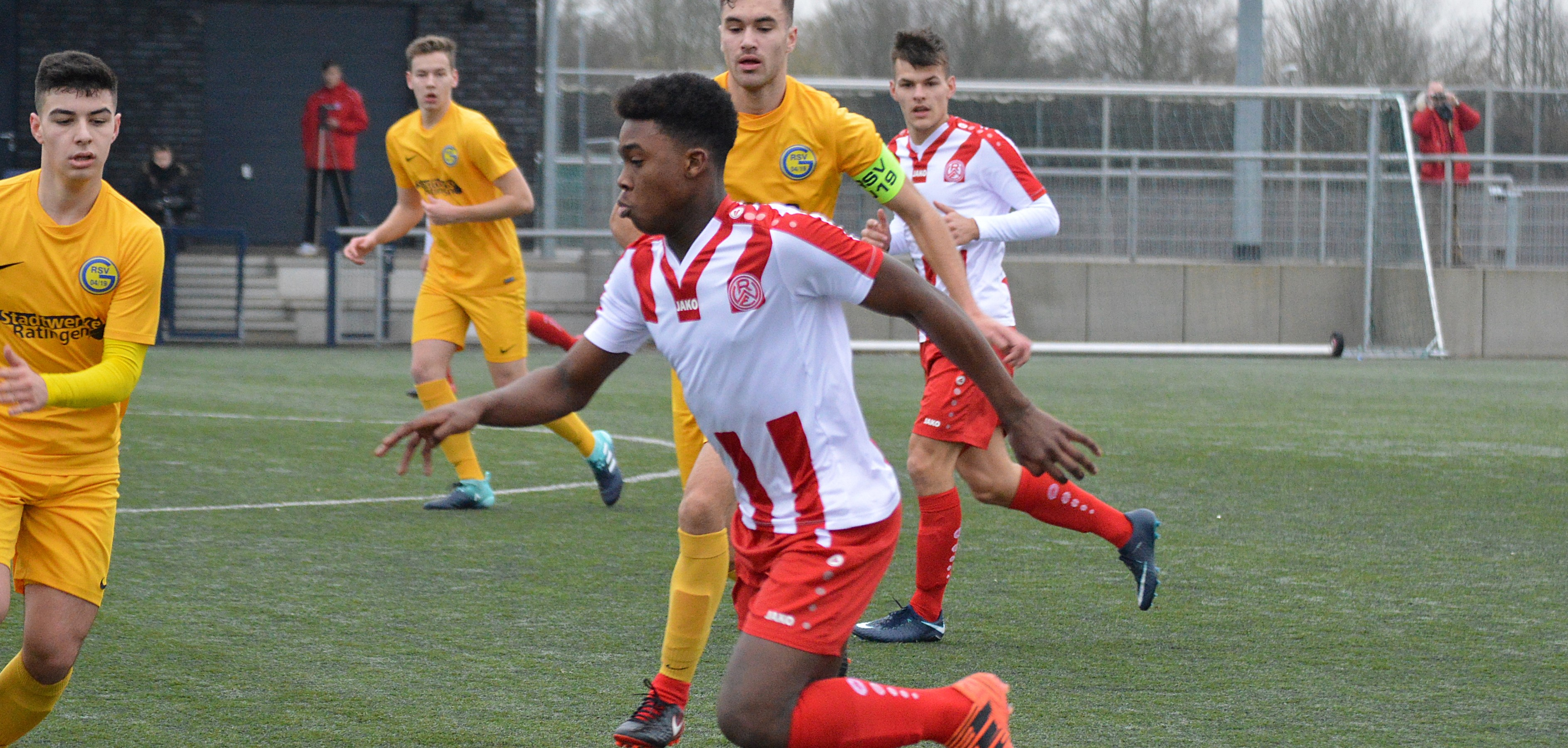 Die rot-weisse U19 gewann ihr Testspiel gegen den KFC Uerdingen mit 11:0. (Foto: Skuppin)