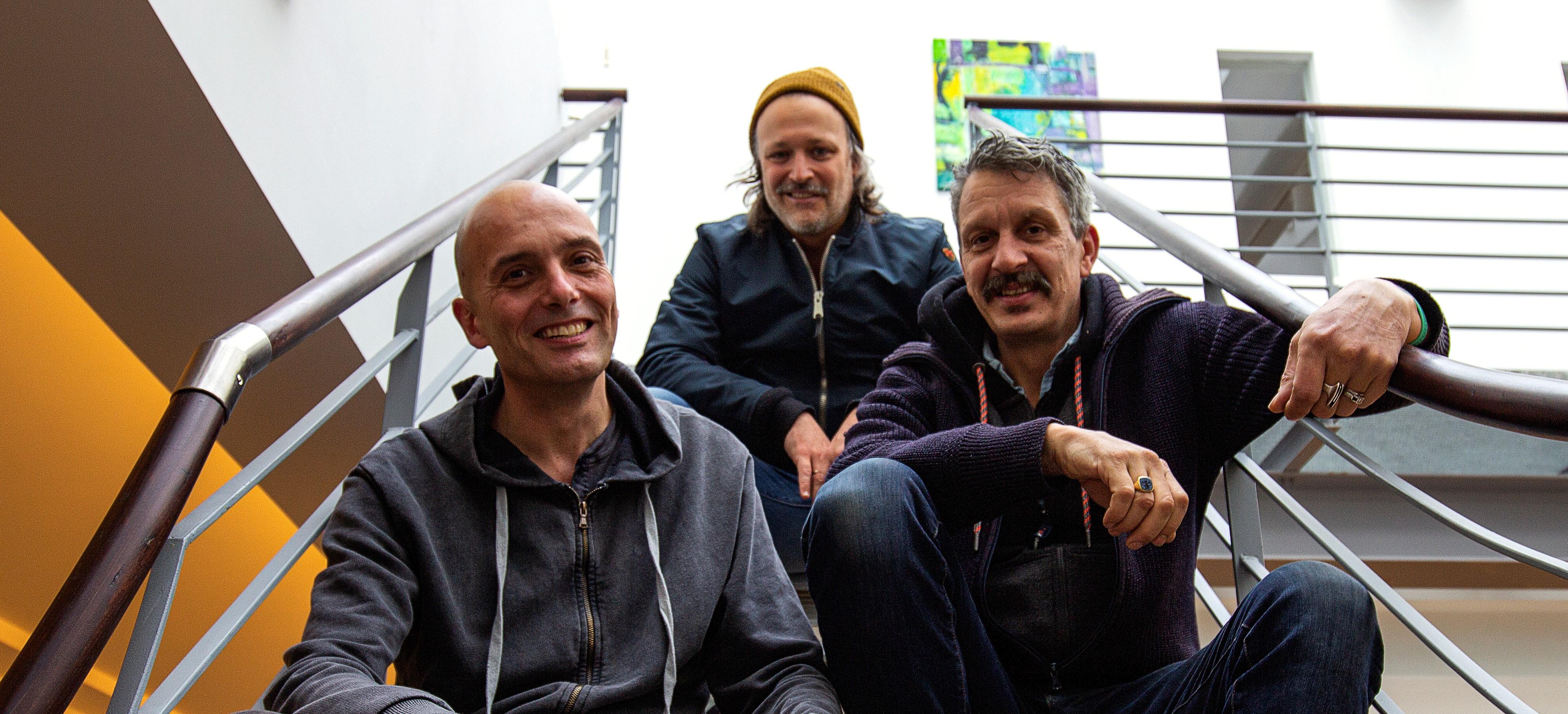 Neuer rot-weisser Kreativ-Partner: Christoph Lievenbrück (l.), Thorsten Sievering (mi.) und Hans Starck (r.) mit der Agentur ALTOBELLI.