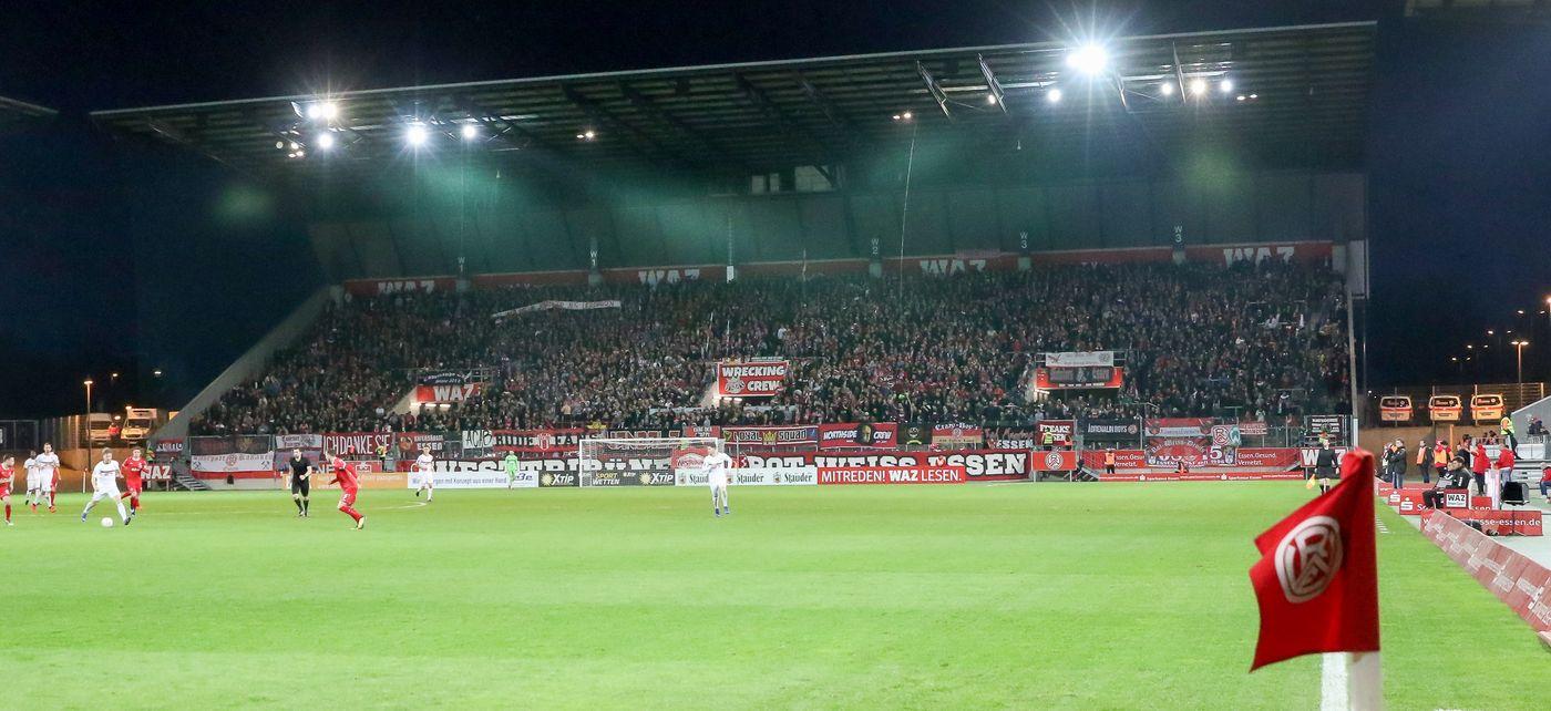 Die Partie gegen Fortuna Köln findet unter Flutlicht im Stadion Essen statt (Foto: Endberg)
