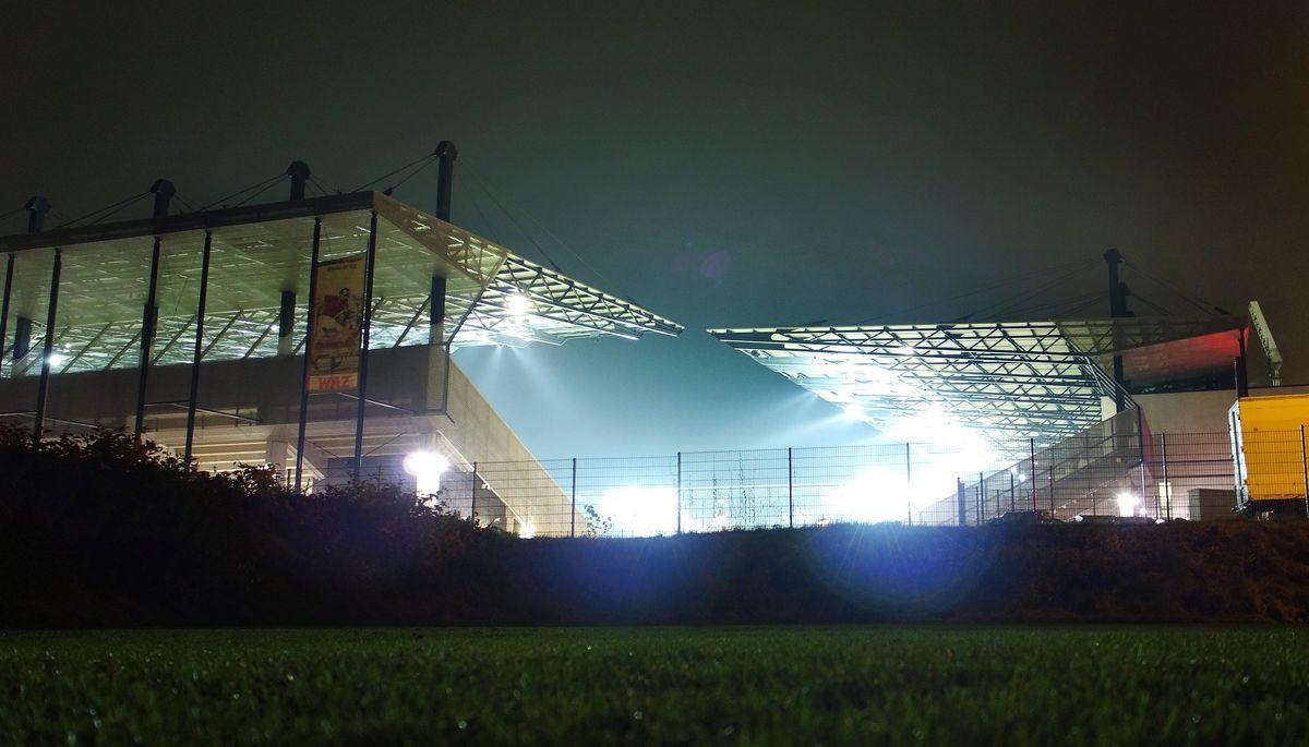 Am Freitag empfängt Rot-Weiss Essen den Bonner SC zum Flutlichtspiel an der Hafenstraße.