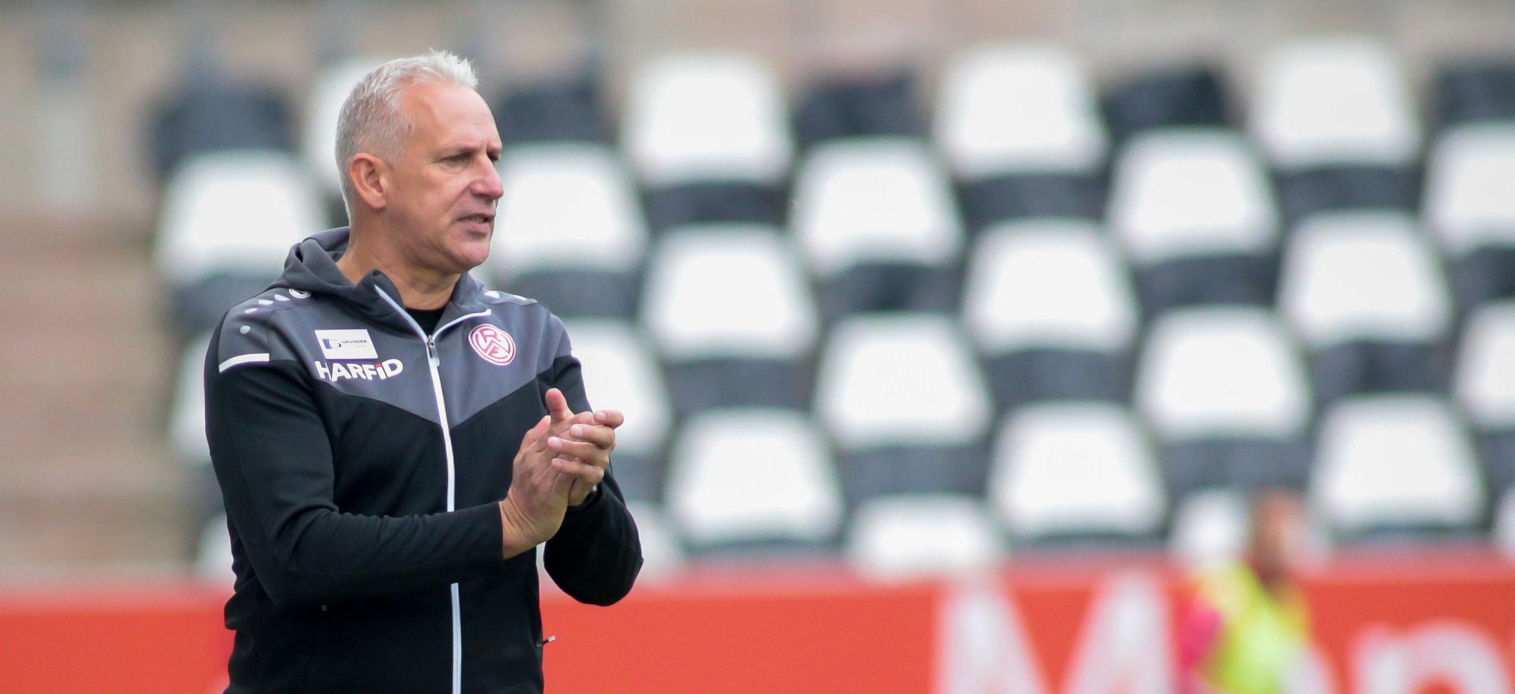"""Möchte den derzeit guten Flow """"nicht durch zahlreiche Wechsel unterbrechen"""": RWE-Chefcoach Christian Neidhart (Foto: Edberg)"""