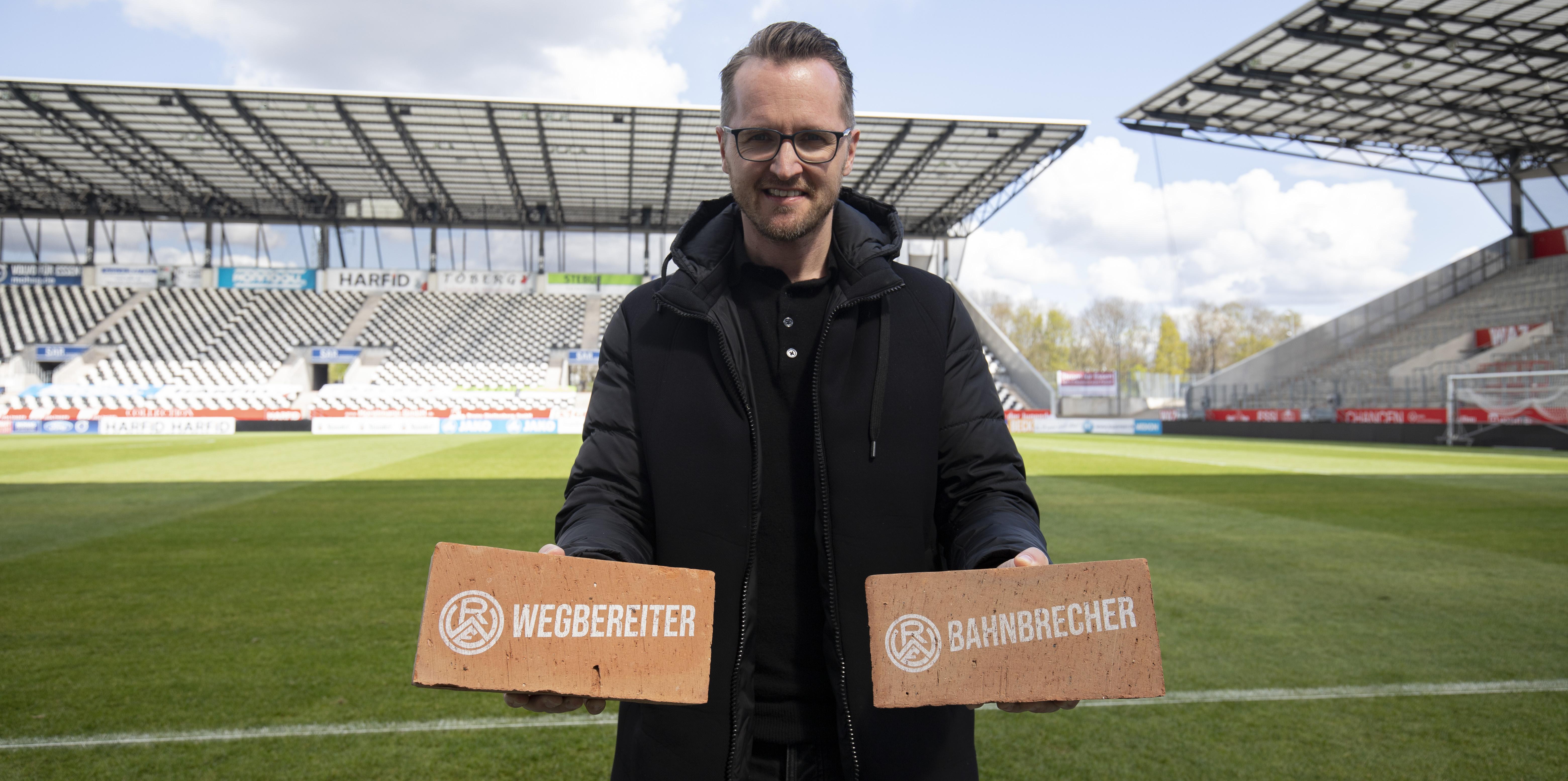 Stein auf Stein: Seit 2021 haben RWE-Partner die Möglichkeit, das Nachwuchsleistungszentrum unter der Leitung von Chrstian Flüthmann mit drei maßgeschneiderten Paketen zu unterstützen. (Foto: RWE)