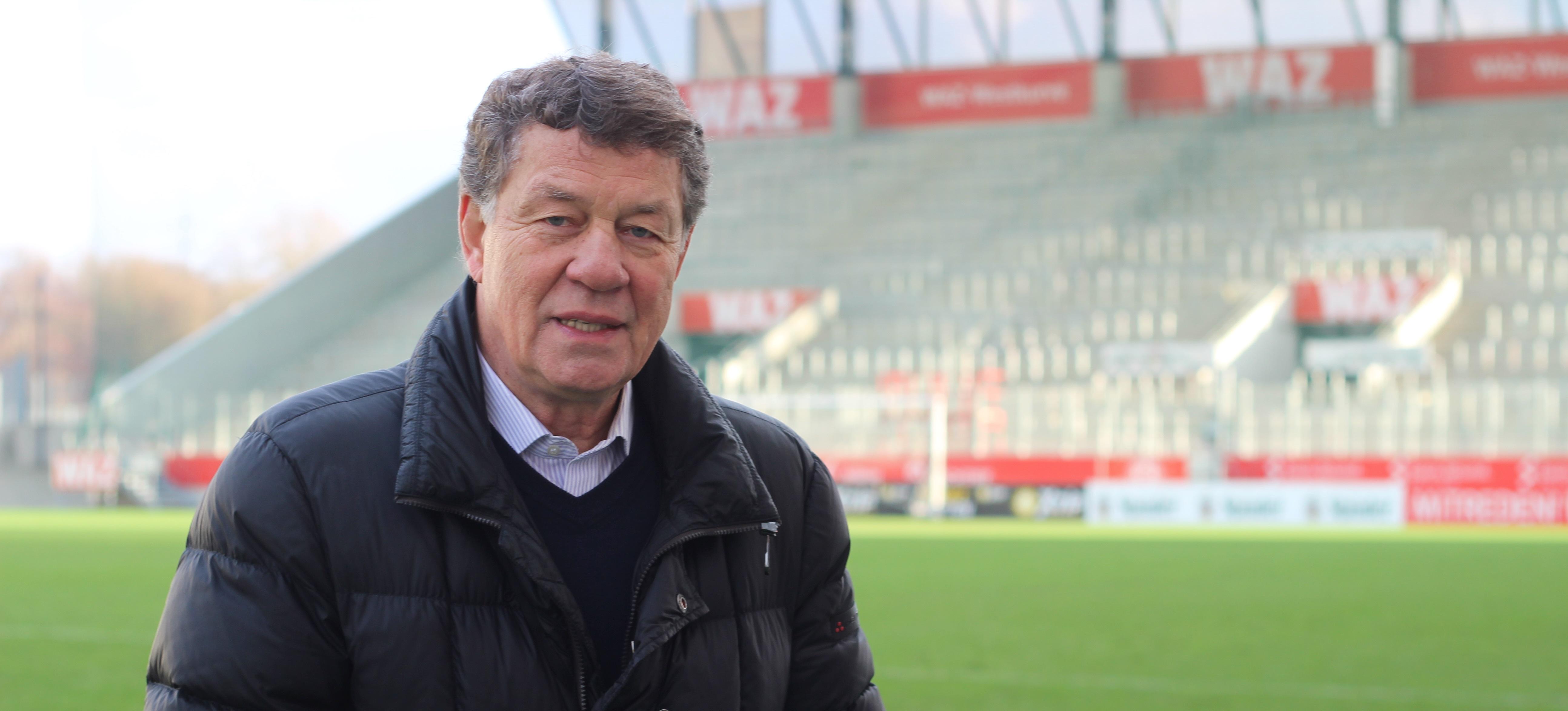 Otto Rehhagel schwört die Traditionsmannschaften von Rot-Weiss Essen und Werder Bremen am 20. Juli auf das Duell ein.