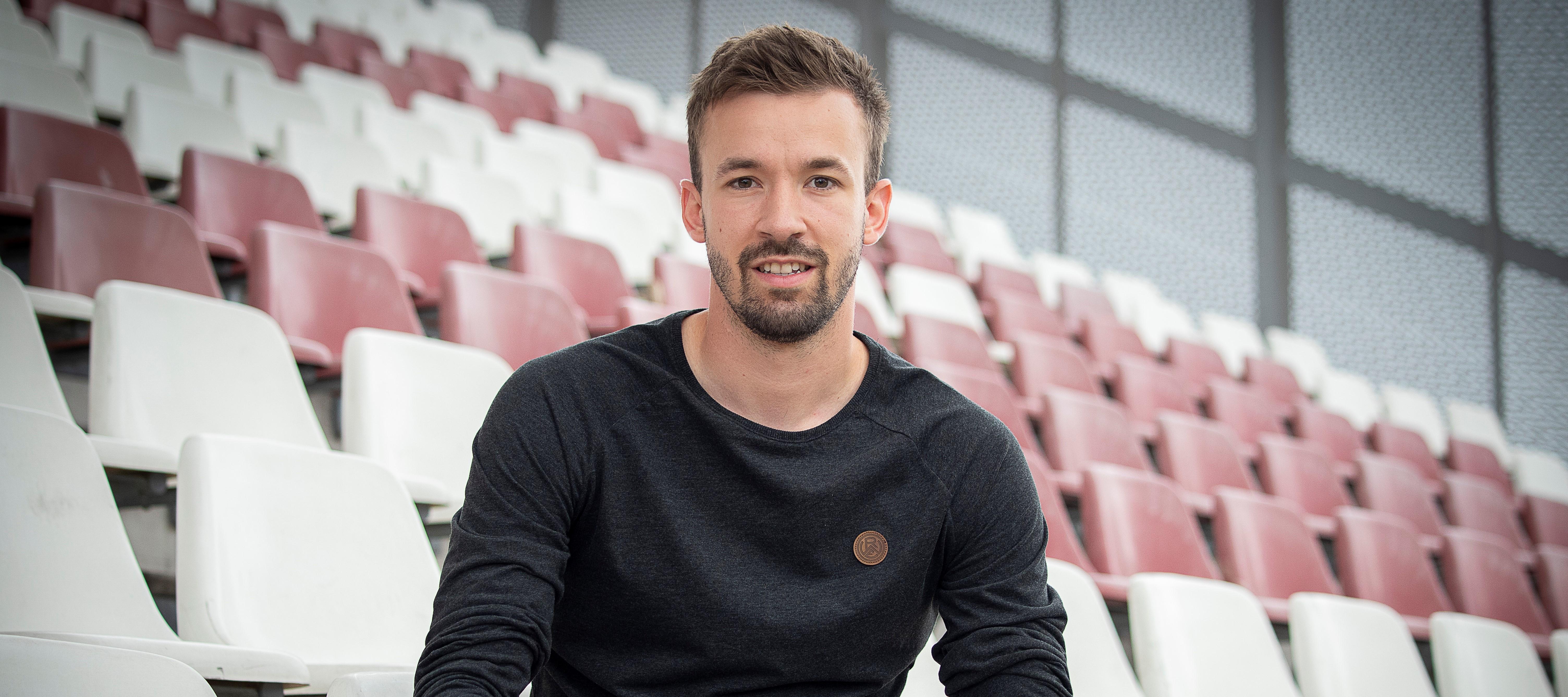 Auch künftig als Spieler an der Hafenstraße: Rechtsverteidiger David Sauerland. (Foto: RWE)