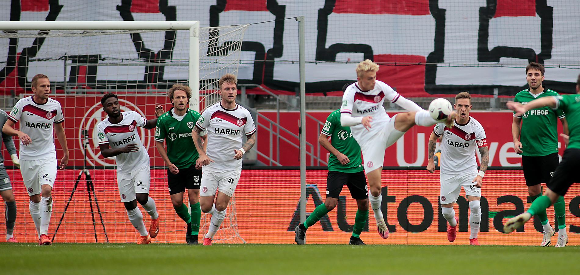 Zufrieden nach dem Spiel: Cedric Harenbrock. (Foto: Endberg)