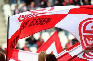 Chef-Trainer Karsten Neitzel tritt mit seiner Elf am Samstag ein letztes Mal in der laufenden Saison an der Hafenstraße an.