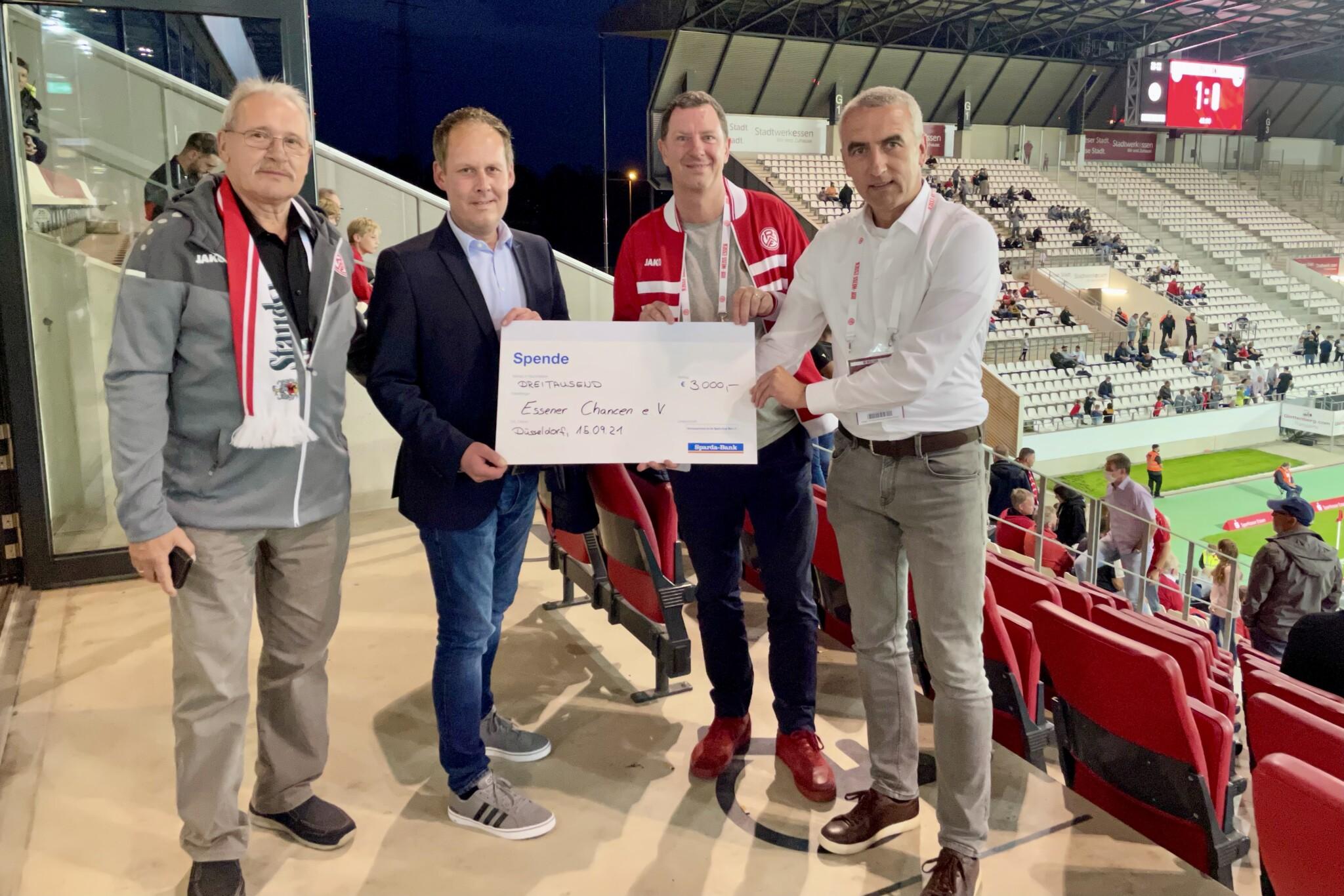 Sparda-Bank West spendet 3.000 Euro für den Lernort – Rot-Weiss Essen